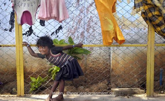 Indien, Chennai, Slum, Mädchen